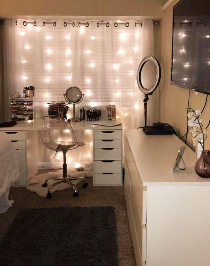 Cute idea for my dorm room! Teen girl bedroom ideas - great teen bedrooms to copy #dormroomideas #bedroomideas