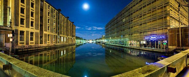 Hostels in London, Paris, Amsterdam, Barcelona, Berlin, Prague, Bruges, Edinburgh, Brighton, Bath & Newquay - St Christopher's Inns