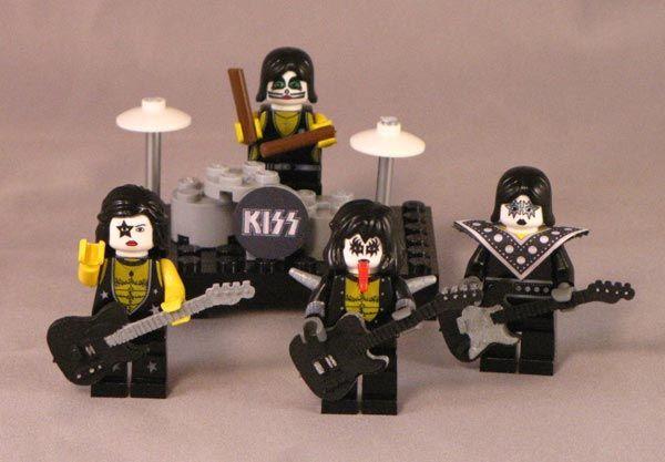 LEGO Kiss minifigures