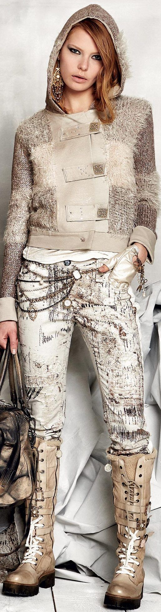 Elisa Cavaletti Fall / Winter 2015-16