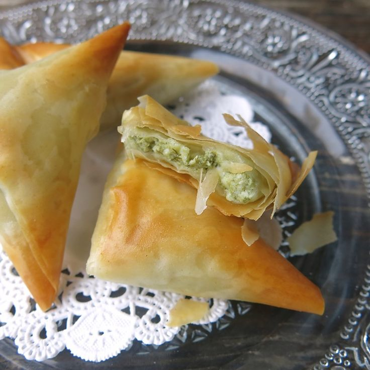 Homemade Spanakopita in Phyllo Pastry is another scrumptious recipe in my Freezer Appetizer series. Delicious morsels that pack a powerful flavour punch!
