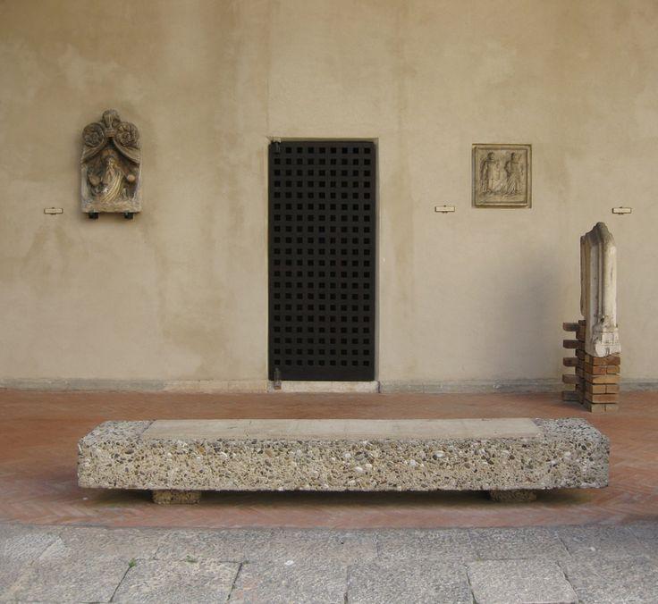 Carlo Scarpa, cortile di palazzo Abatellis, 1953, Galleria regionale della Sicilia, Palermo.