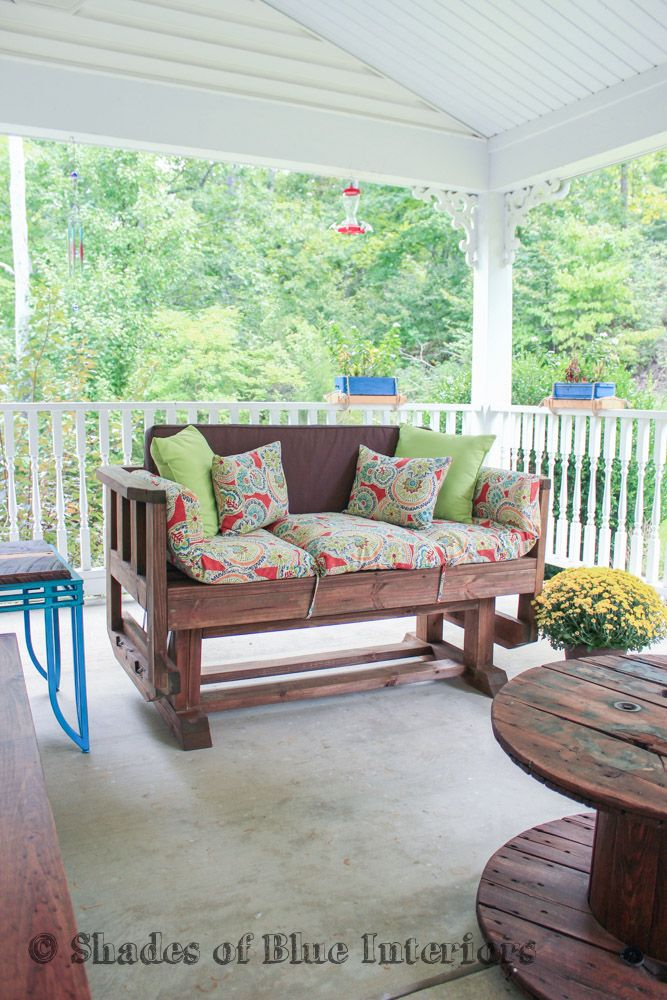Get ready for summer by building this outdoor loveseat glider!