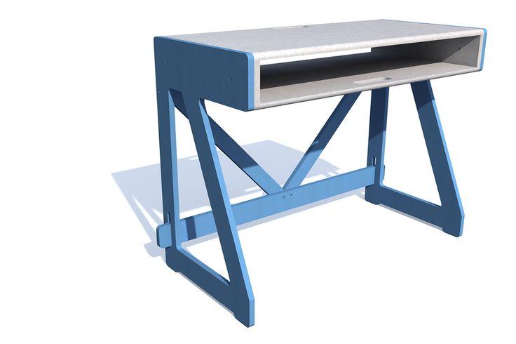 disponible en orange, bleu, rouge,violet, gris .....simple à monter , facile à démonter pour ceux qui aiment jouer avec les couleurs ! www.pierrefurnemont.com #Desk #Bureau