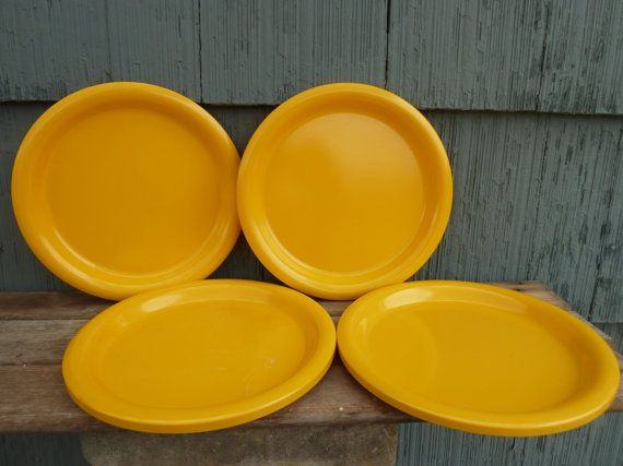 Ingrid Ltd bright yellow dinner plates Set of 4 by OatesGeneral