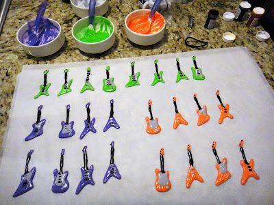 Worth Pinning: Guitar Cupcakes