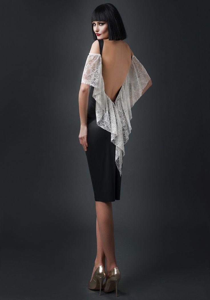 Alege sa stralucesti in aceasta rochie in seara de 1 Decembrie!