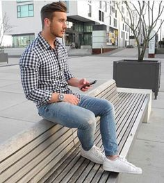 Casual everyday style, checkered shirt and jeans.