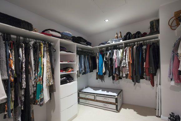 Dicas de Como Fazer um Closet no Quarto que atenda bem as necessidades do morador. Veja fotos e saiba Como Fazer um Closet e instalar Armários de Cozinha