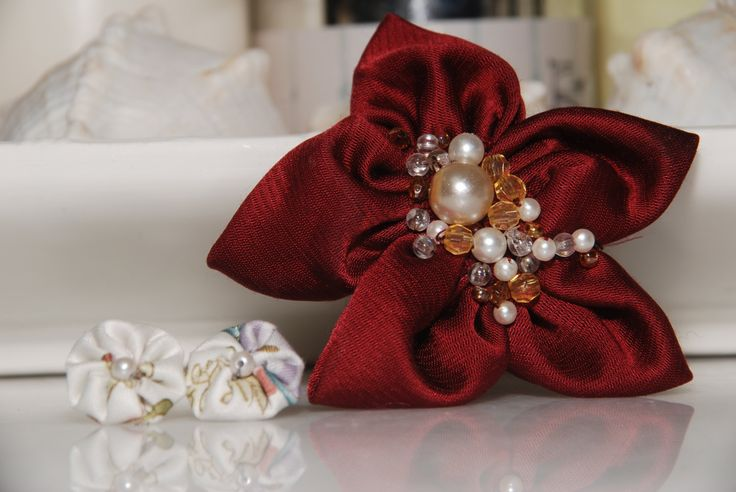 White fabric flower studs and Burgendy fabric flower ring by FlowerPowerByIlia on Etsy