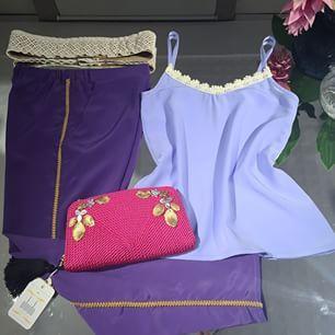 Bueno queremos dejarnos el #outfit para este finde soleado que viene! ☀️☀️☀️ Pantalón Sara personalizado con galón dorado y la blusa lencera Beatriz personalizada en el escote con guipur beige. El fajín Creta ❤️que es #handmade!!! Y como guinda el bolso #marilyn de @user  Pasad buen fin de semana!!!! Y recordad que el #sorteo  estará hasta el 18 de #Abril !!!! ☺️#pozuelo