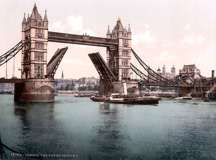 The raised London Tower Bridge, 1890-1905.
