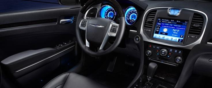 Chrysler Canada | Full-Size Sedan | 2013 Chrysler 300 S V8 AWD
