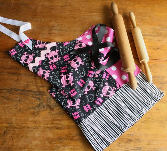 Women's apron. Handmade.  Skulls cotton fabric. by LibbysLifestyle