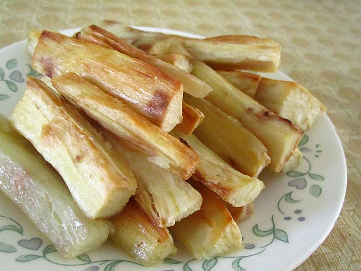 I've made roasted yucca roots (or cassava) couple times before but realized that I've never actually posted its own recipe. And since I think I've found a way to cook this without…