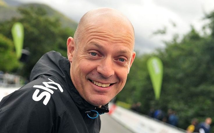 Sir Dave Brailsford moved to tears as he makes emotional return home to Llanberis in Wales during the Tour of Britain 2013