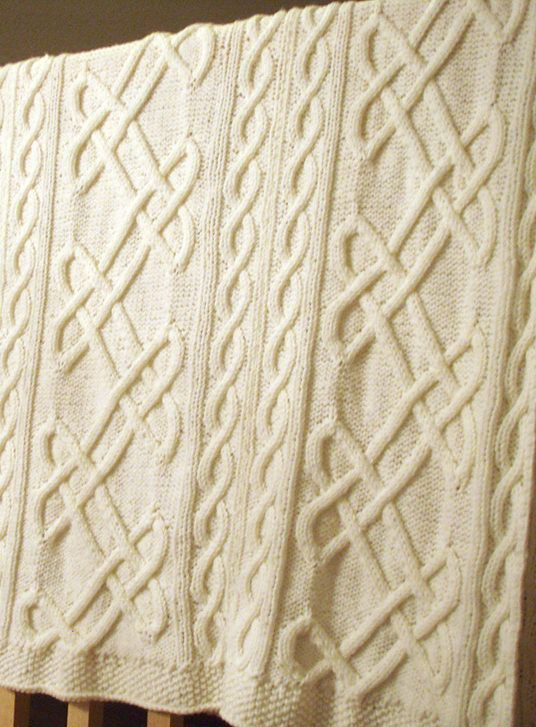 Celtic Love Knot Knitting Pattern : 15 Must-see Cable Knit Blankets Pins Cable knitting, Knitted blankets and G...