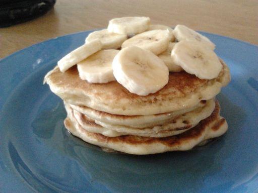 Véritables et délicieux pancakes au buttermilk (babeurre) : Recette de Véritables et délicieux pancakes au buttermilk (babeurre) - Marmiton