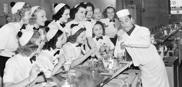 1959, Fiera del gelato artigianale  A Longarone si tiene la prima Mostra internazionale del gelato, segno della volontà di molti gelatieri di mantenere viva la tradizione del gelato artigianale.