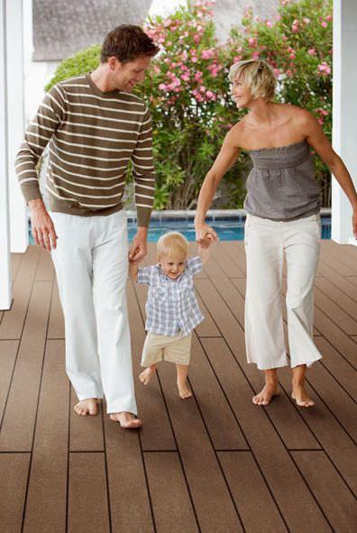 #Kunststoff  #Holz #Deck WPC Material für Außenböden