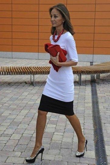 Isabel Preysler con vestido bicolor
