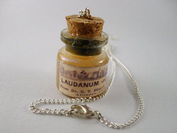 Laudanum bottle necklace  Poison bottle necklace  by EndlessCrap, €15.60