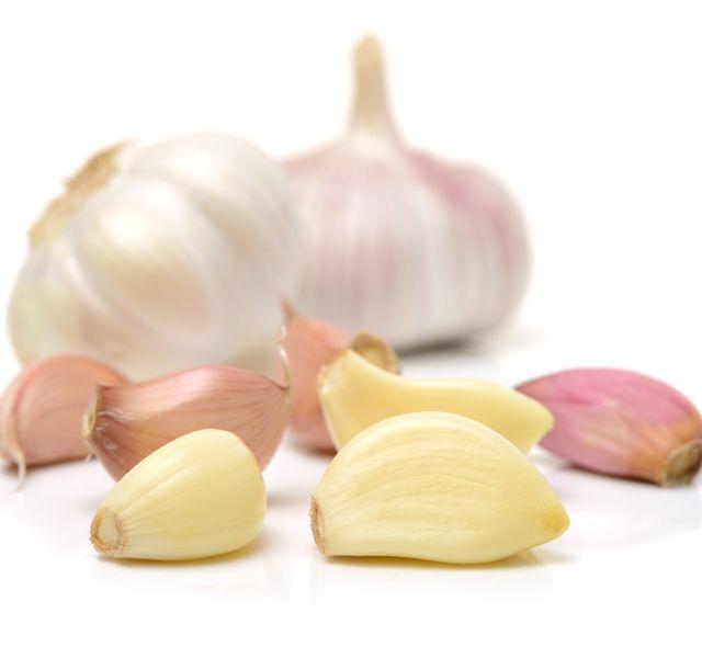 Ezért dugjunk fokhagymát a fülünkbe - Megelőzés - Test és Lélek - www.kiskegyed.hu