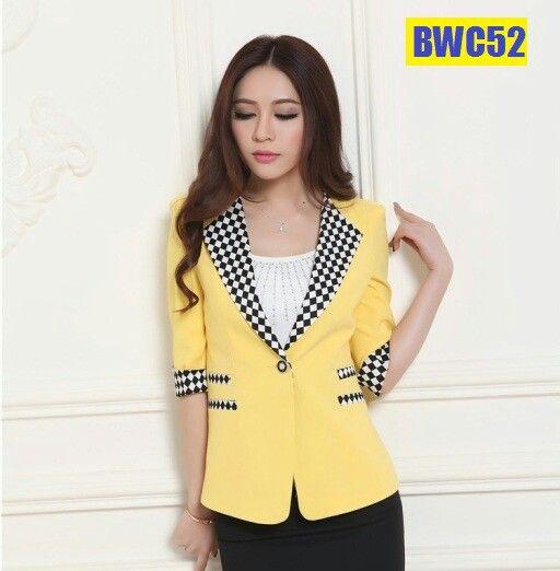 Kombinasi yg indah membuat gaya yang lebih berkelas.  Perkenalkan sebuah produk jas kerja wanita casual.