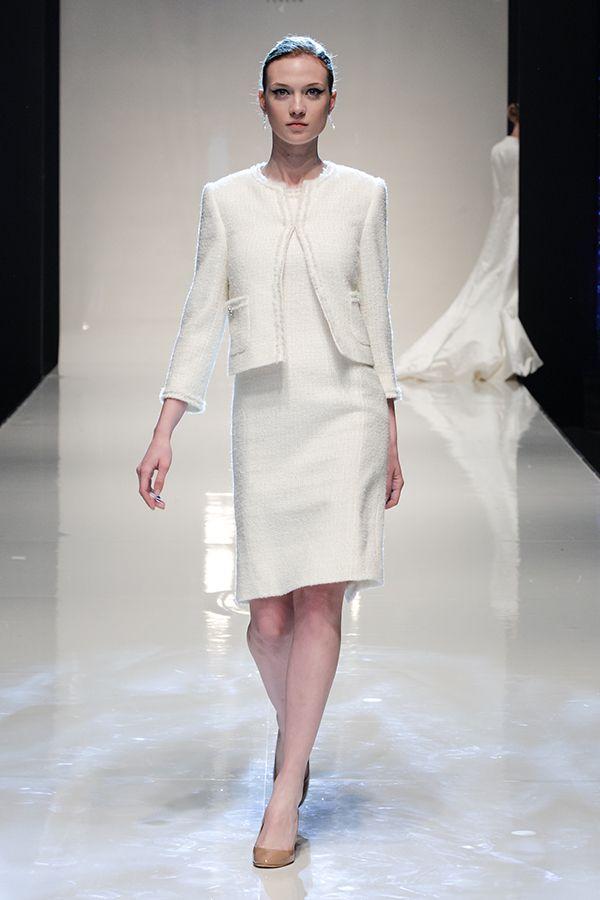 Stewart Parvin 2013-2014. #casamento #acessórios #noivas #casacos #inverno: