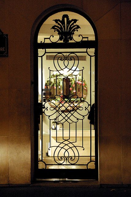 The door of the shop by erikomoket, via Flickr  Paris