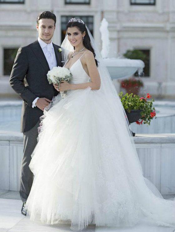 Hatice Şendil a Burak Sagyasar - svadba (foto: Instagram)