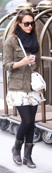 Who made Jessica Alba's white handbag and brown boots that she wore in New York on May 8, 2012?