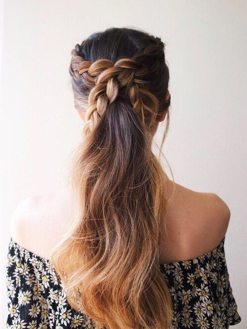 Love this braid and ponytail hairstyle combo. Gorgeous!