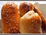 Petits pains farcis à la viande hachée de dinde épicée 20/11/11 13:22 Je vous présente aujourd'hui une super recette de petits pains farcis à la viande hachée de dinde épicée comme j'aime . Cette recette peut-être refaite à l'infini en jouant avec les...