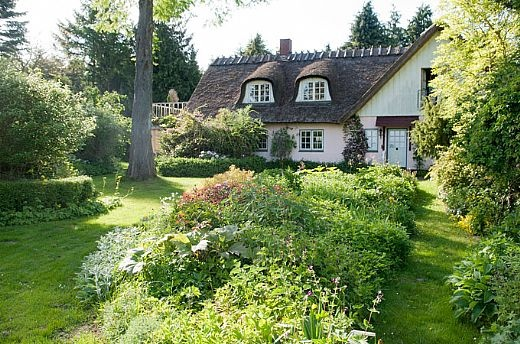 "wonderful house and garden - belonging to a woman aged nearly 90. From the Danish book ""Hemmelige haver"" / ""Secret gardens"" by Claus Dalby"