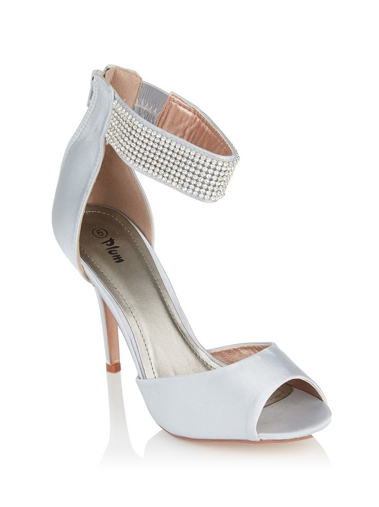 Heels with diamante ankle strap Silverhttp://www.spree.co.za/en/plum-heels-with-diamante-ankle-strap-silver