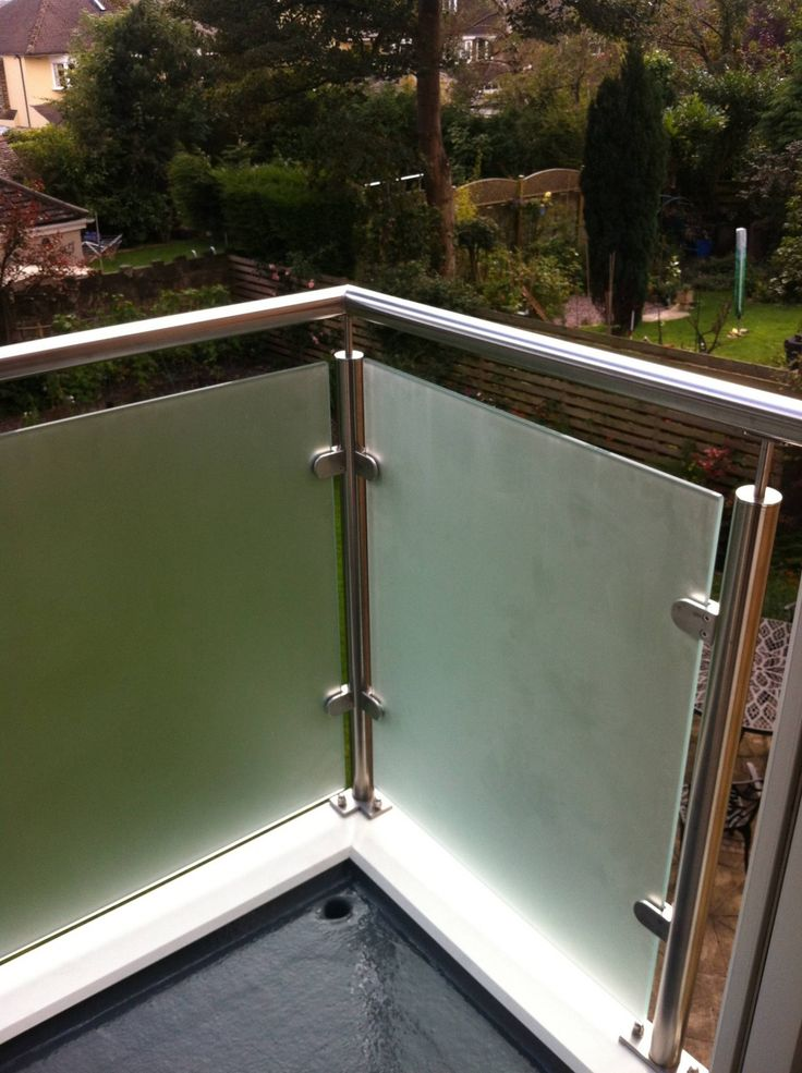 Cantilevered Sandblasted Glass Balcony