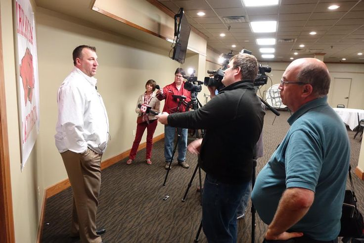 Several TV stations out to speak with @BretBielema in West Memphis ahead of tonight's @RazorFoundation rally #WoooPig ~ Check this out too ~ RollTideWarEagle.com for SEC Football stories that inform and entertain. #WPS #Razorbacks