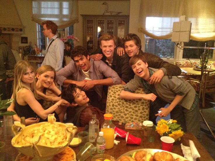 Carlson Young, Willa Fitzgerald, Bex Taylor-Klaus, Tom Maden, Connor Weil, Amadeus Serafini, and John Karna