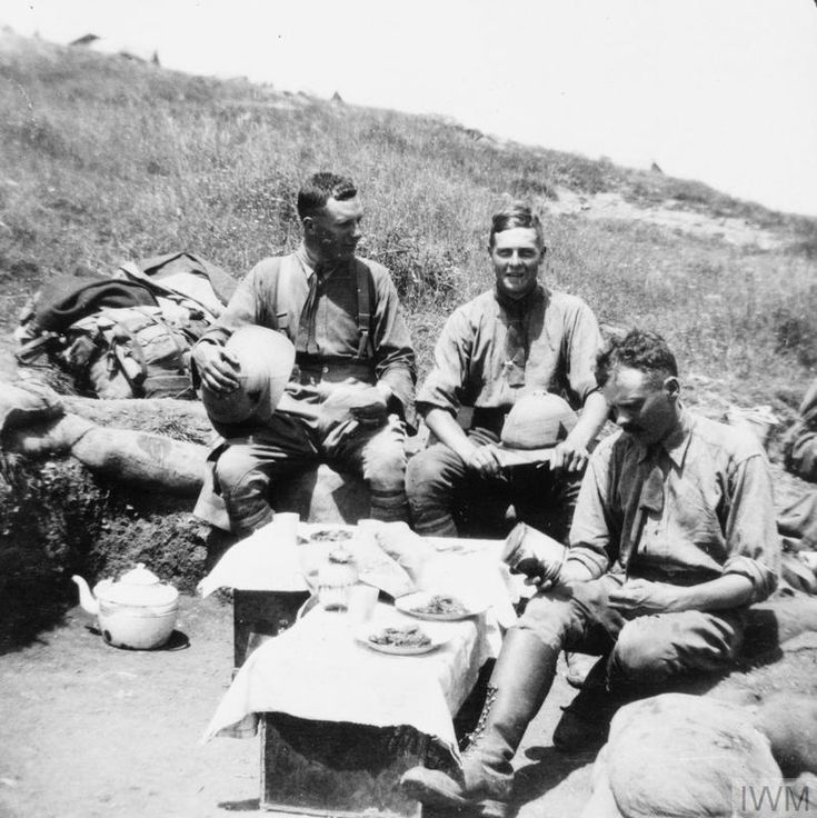 WWI, The 2/20th Battalion, London Regiment, in Macedonia, 1916-17. Three British officers of A Company enjoying a meal behind the British frontline, part of the Vardar Front.©IWM
