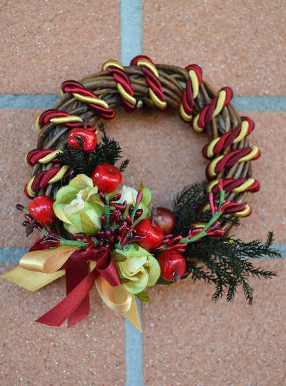 LARGE WREATH - Christmas - PatriziaB.com  This handcrafted wreath will bring tidings of joy into your home. Woven from wicker, it can also be used to trim your tree