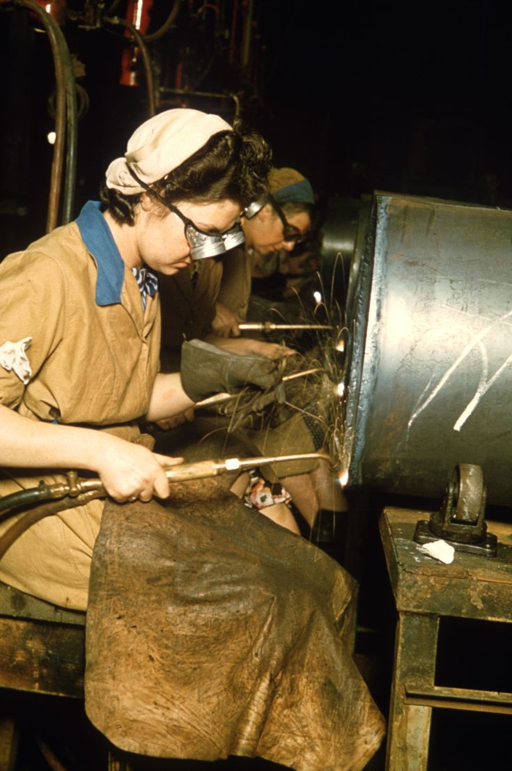 munitions factory, world war II, england, women in the workforce, women factory workers