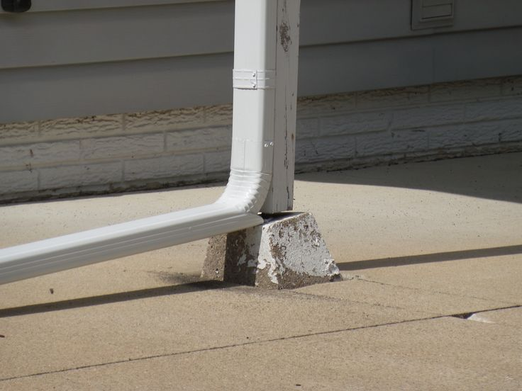 Downspouts are very important to have installed on a home! They dispose water away from the house to prevent any leaks or flooding! #tricountyenterprises #roofing #roof #shingles #asphalt #metal #asphaltroof #metalroof #siding #windows #gutters #underdeck #comfortzone #comfortzoneunderdeck #tce #tricounty #smallbusiness #business #workinghard #hardworking #worker #workers #workersneeded #needworkers #employees #needemployees #constructionworkers #cedarrapids #cedarrapidsarea #employment…