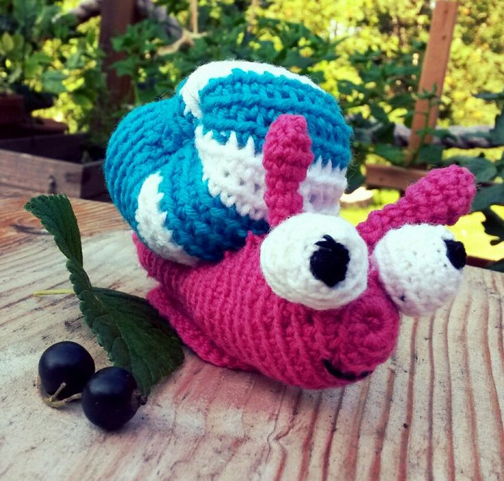 Crochet snail amigurumi