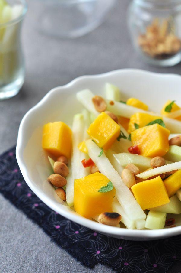 Karalábésaláta mangóval és mogyoróval - nem csak laktózérzékenyeknek!