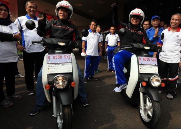 Berita Terbaru  Dalam & Luar Negri   Hot News Today: Sepeda motor listrik…