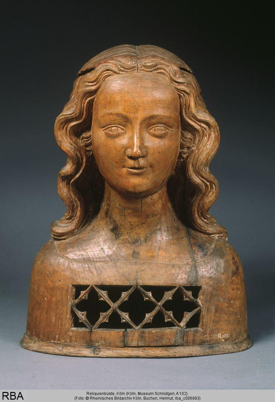 Reliquienbüste, Köln, um 1350, KleinskulpturKorpus und Kalotte Nussbaumholz; Grundplatte Eichenholz, 42,5 cm   Köln, Museum Schnütgen