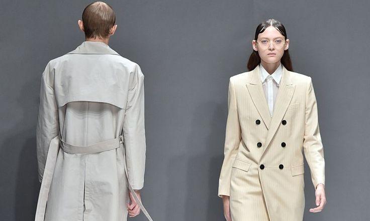 Une mise à nu pour le Printemps 2016 proposée par le label japonais Dressed Undressed #LeFashionPost #Webzine #Fashion #Mode #Lifestyle #Tranoi #SS16 #PFW15 #Japan #Designer #DressedUndressed #Interview #WilliamArlotti