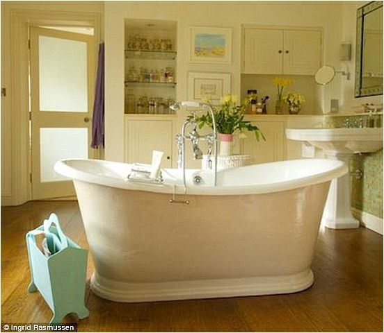 1000 images about english country cottage hunt theme for English country bathroom ideas