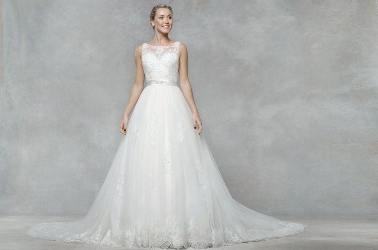 Te asteptam pe baza de programare in magazinul nostru sa iti gasesti rochia perfecta!